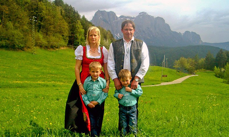Farm holidays in the Dolomites – The farm Goldrainerhof in Castelrotto